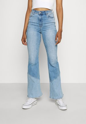 SUPER FLARE  - Flared Jeans - shadow patched blues