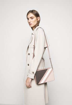 JET CROSSBODY COLOUR BLOCK - Taška s příčným popruhem - brown/softpink