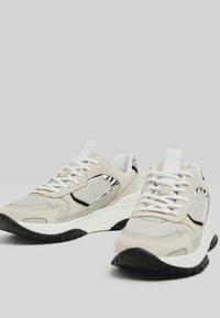 Bershka - Sneakers laag - multi-coloured - 4