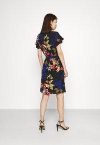Vila - VIDIANA FLOUNCE DRESS - Kjole - black/black tropical print - 2