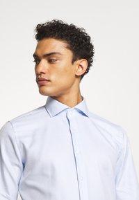 JOOP! - PANKO SLIM FIT - Formal shirt - light blue - 4