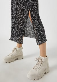 PULL&BEAR - A-line skirt - black - 4