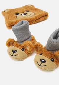 MOSCHINO - HAT & BOOTIES BOX SET UNISEX - Beanie - marrone orsetto - 2
