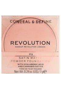 Make up Revolution - CONCEAL & DEFINE POWDER FOUNDATION - Foundation - p3 - 4