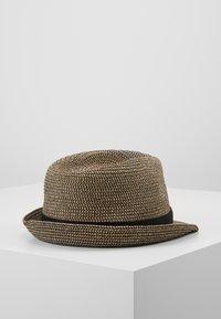 Burton Menswear London - 3 COLOUR TWIST TRILBY - Hat - tan - 0