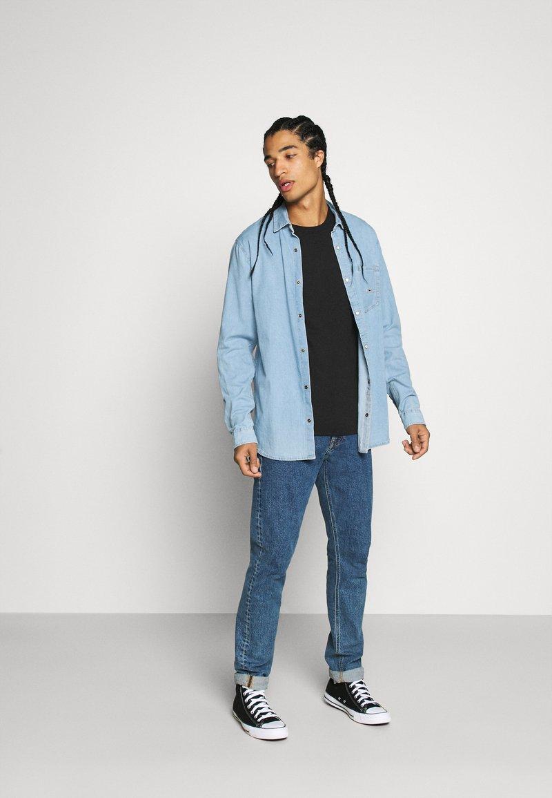 Calvin Klein Jeans - 3 PACK SLIM TEE - T-shirt basique - night sky/ black /bright white