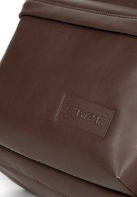 Eastpak - PAKR - Rucksack - brown authentic leather - 5