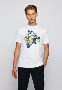 BOSS - TDRAW - Print T-shirt - white - 0