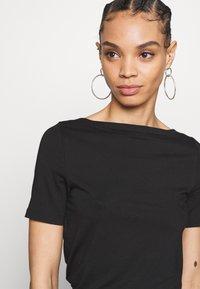Vero Moda - VMPANDA NOOS - Basic T-shirt - black - 4