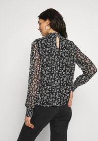 Vila - VIGALIANA - Blusa - black/cloud dancer - 2