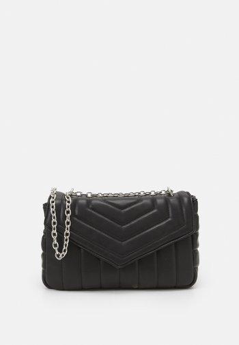 CROSSBODY SIEN M SET - Across body bag - black