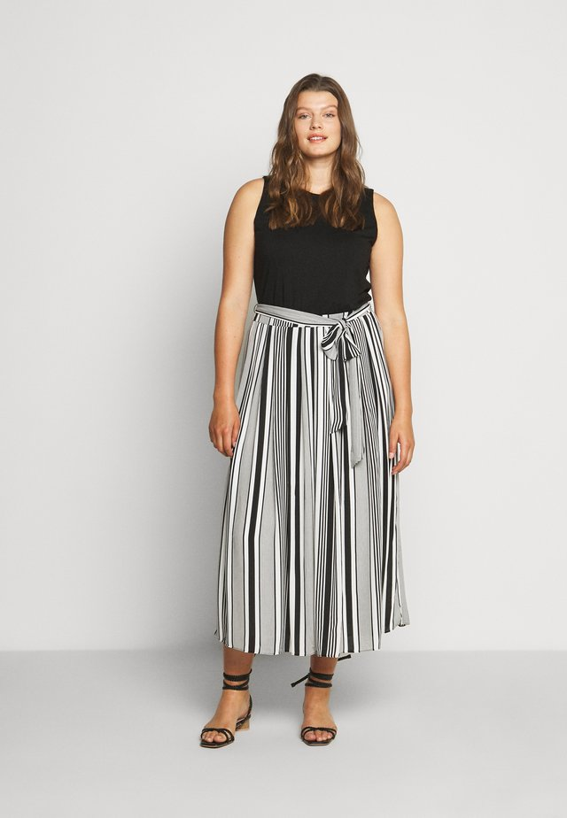 VARIAGATED STRIPE BELTED DRESS - Maxi dress - black