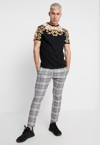 Brave Soul - SCROLL - T-shirt con stampa - black - 1