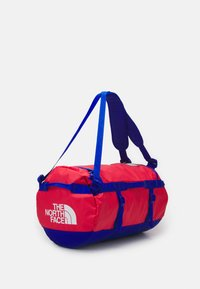 The North Face - BASE CAMP DUFFEL S UNISEX - Sports bag - horizon red/blue - 1
