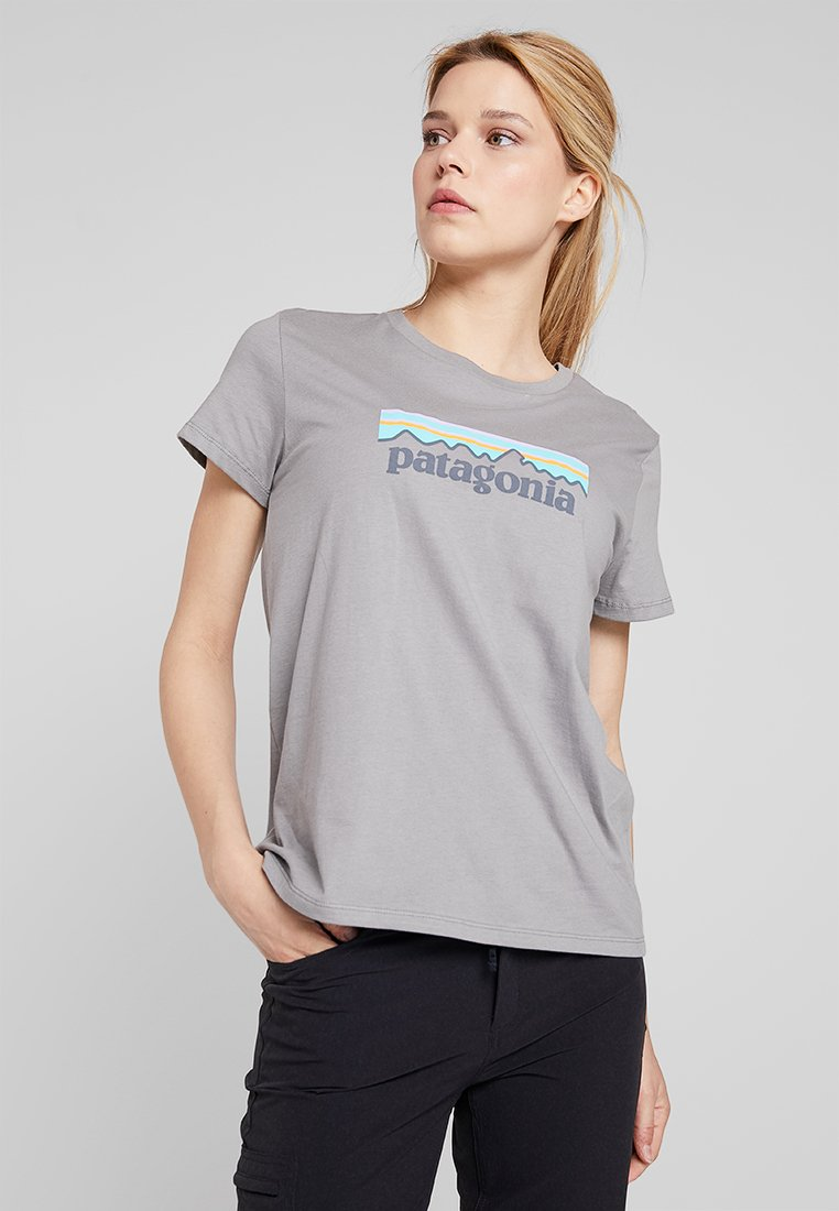 Patagonia - LOGO CREW  - Print T-shirt - feather grey
