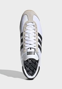 adidas Originals - COUNTRY OG SHOES - Sneakers basse - white - 2