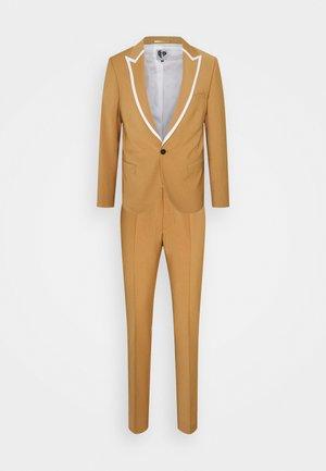 HYNES SUIT - Suit - mustard