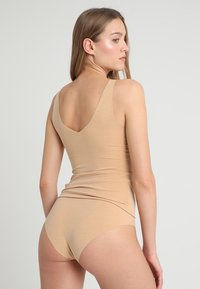Sloggi - ZERO-FEEL NATURAL HIGHWAIST BRIEF - Slip - cognac - 2