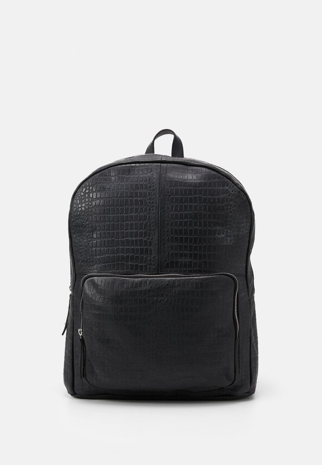 LUKE BACKPACK CROCO - Reppu - black