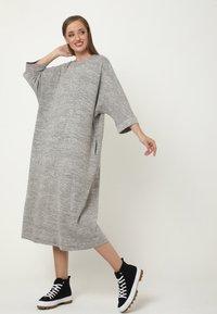 Madam-T - Jumper dress - grau - 1