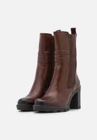 Marco Tozzi - Classic ankle boots - cognac antic - 2