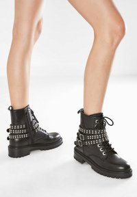 Inuovo - Cowboy/biker ankle boot - black blk - 0