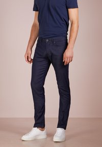 Emporio Armani - Slim fit jeans - denim blu - 0