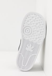 adidas Originals - CONTINENTAL - Sneakers laag - core black/footwear white - 5