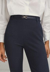 Massimo Dutti - Trousers - blue-black denim - 5