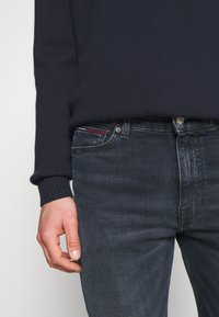 Tommy Jeans - SIMON SKINNY - Slim fit jeans - midnight dark blue - 4