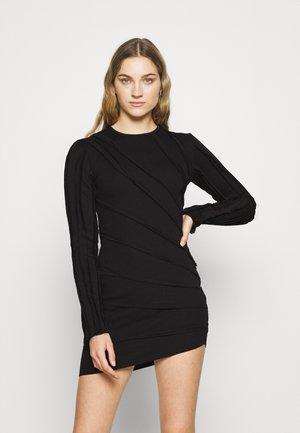 EXPOSED SEAM HEM DRESS - Sukienka letnia - black