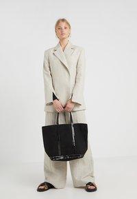 Vanessa Bruno - CABAS MOYEN - Shopping Bag - noir - 1