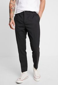 Calvin Klein Tailored - TRAVEL TAPERED PANT - Pantalon classique - anthracite - 0