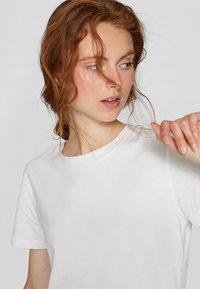 Stradivarius - T-shirts basic - white - 3