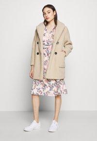 Esprit Collection Petite - FLUENT - Vapaa-ajan mekko - pastel pink - 1