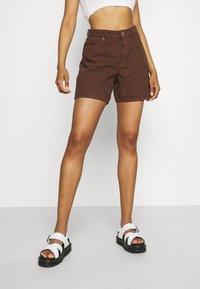 Monki - Jeansshorts - brown dark/unique brown - 0