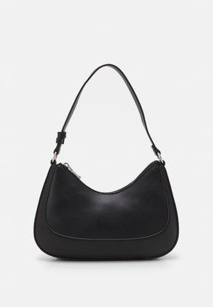 CROSSBODY BAG CARDAMOM S - Handbag - black