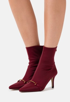 HOPE - Bottines - wine