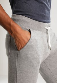 YOURTURN - Pantalones deportivos - light grey melange - 3
