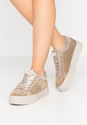BIG - Sneakers laag - natural