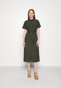 Dorothy Perkins - MIDI SHIRT DRESS - Košilové šaty - khaki - 0