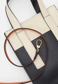 Paul Smith - WOMEN BAG MINI TOTE CON - Handbag - slate - 3