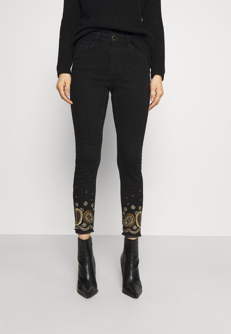 Desigual - Jeansy Skinny Fit - black