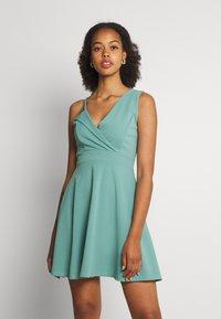 WAL G. - RIRI SKATER DRESS - Koktejlové šaty/ šaty na párty - sage green - 0