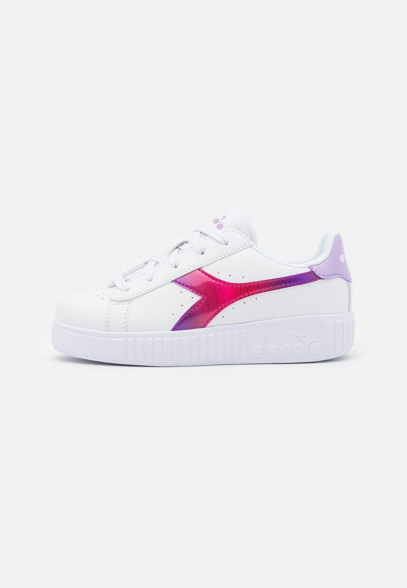 Diadora - GAME STEP RAINBOW - Sports shoes - white/lavendula