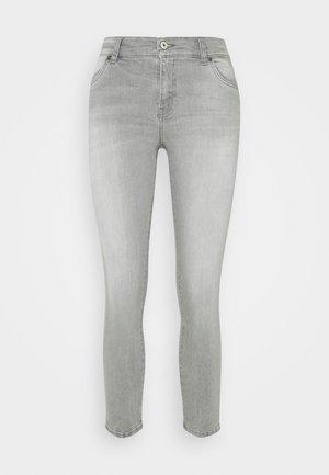 LONIA - Jeans Skinny Fit - freya undamaged wash
