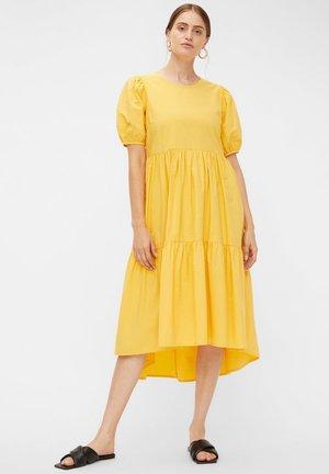 YASANDREA - Korte jurk - sunset gold