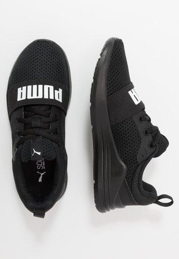 WIRED RUN - Zapatillas de running neutras - black