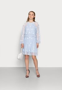 SISTA GLAM PETITE - SAFIE - Cocktail dress / Party dress - pale blue - 1