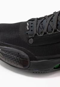 Jordan - AIR XXXIV - Koripallokengät - black/dark smoke grey/electric green - 5